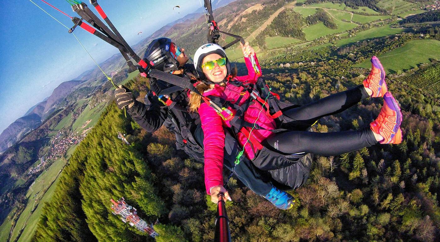 Tandemový let na padáku - vychutnajte si poriadnu dávku adrenalínu a nezabudnuteľné výhľady