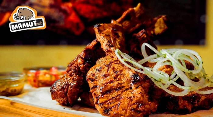 Fotka zľavy: Megaporcia grilovaných rebierok v Mamut pube