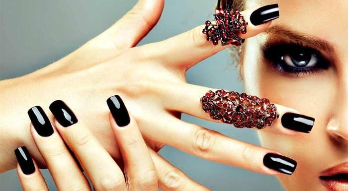 Fotka zľavy: Manikúra alebo gélové nechty v Femme Fatale Studio