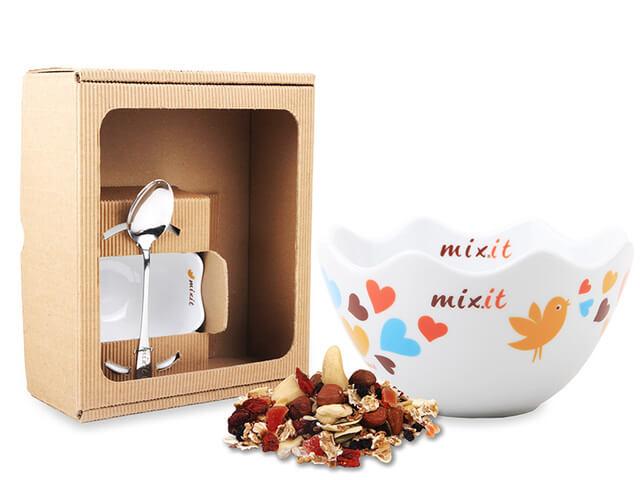 Srdiečková miska s lyžičkou MIXIT v darčekovej krabici (bez tubusu)