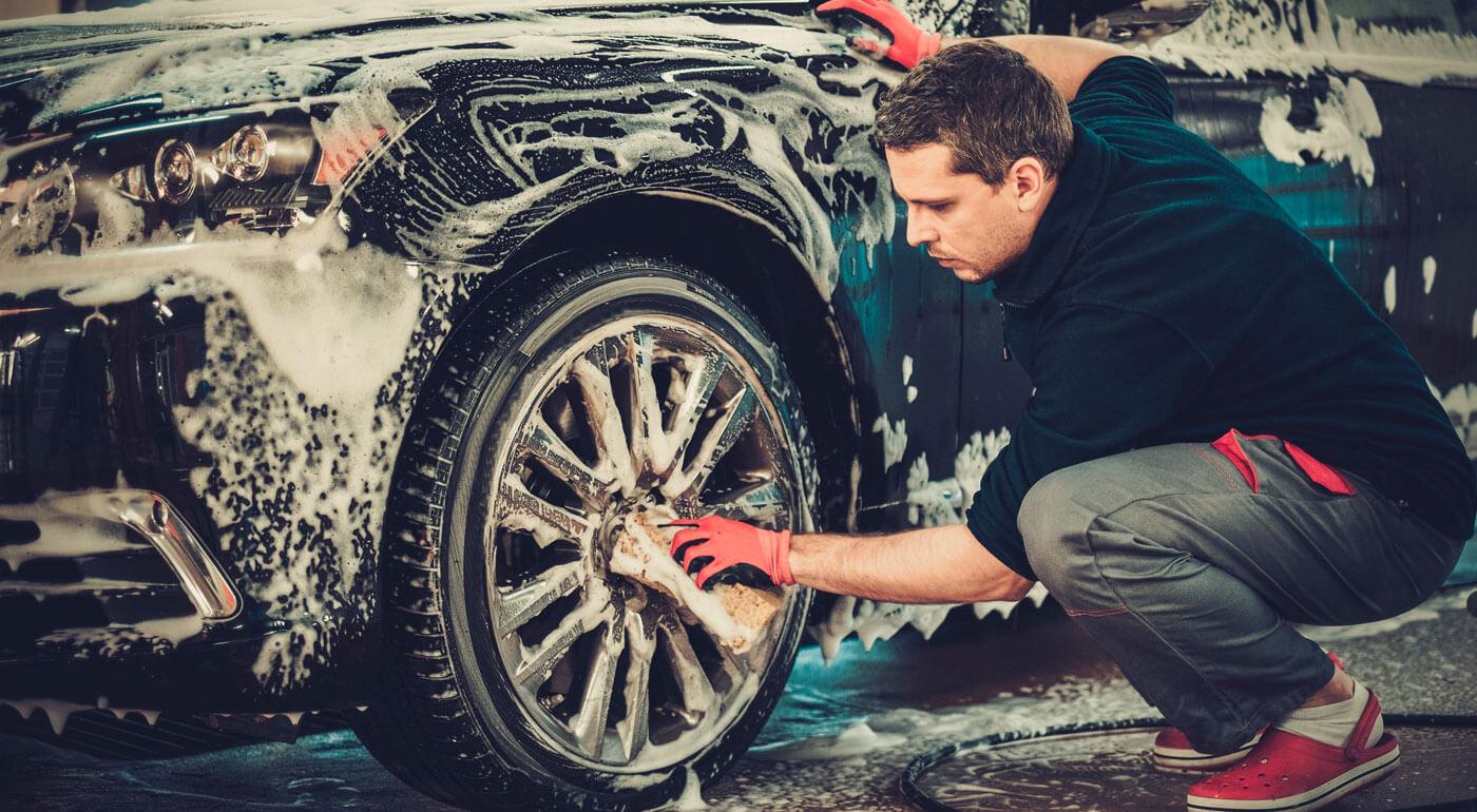 Ručné umytie auta z vonku aj z vnútra, leštenie aj tepovanie sedačiek a kufra v Stupave