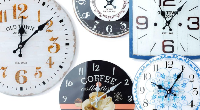 Nástenné hodiny v nadčasových vzoroch