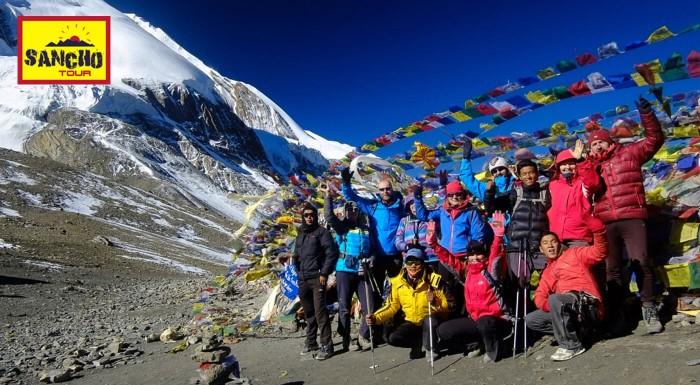 Nepál je krajina vrchov týčiacich sa až do neba. Na 21-dňovom zájazde spoznáte jeden z najvyšších vrchov sveta - Annapurnu, najvyyšie položené jazero a odnesiete si zážitky na celý život.