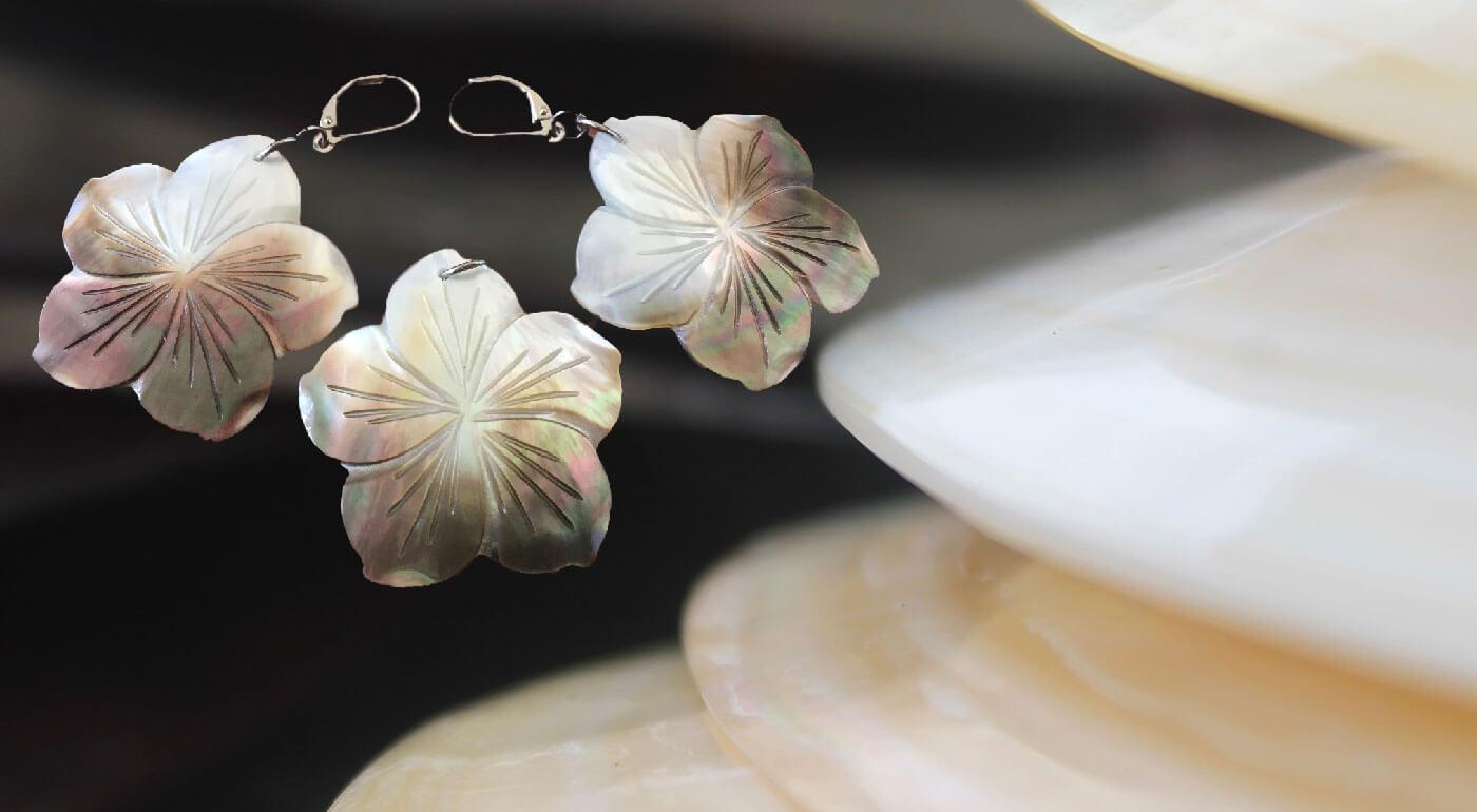 Jedinečné šperky z tahitských lastúr perlorodky - náušnice a prívesok aj v zvýhodnenej súprave