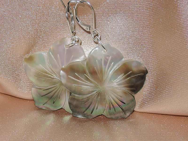 Náušnice z lastúry perlorodky