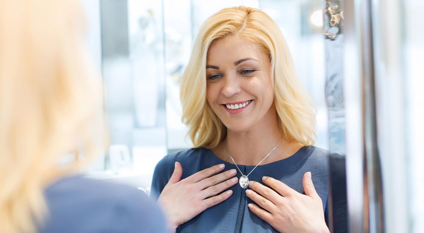 Prívesok s vygravírovanou fotografiou podľa vášho výberu - šperk z chirurgickej ocele vyrobený špeciálne pre vás!