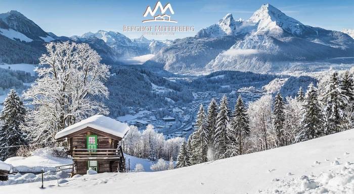 Zimná lyžovačka v rakúskych Alpách
