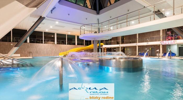 Vyšantite sa v bazéne či Vodnom svete s mnohými atrakciami! Aquapark AquaRelax v Dolnom Kubíne je ideálne miesto pre rodiny s deťmi!