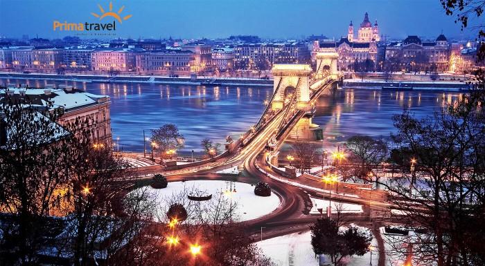 Vianočné trhy a zážitkové kúpele v Budapešti
