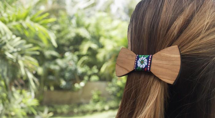 Spony do vlasov v tvare drevených motýlikov