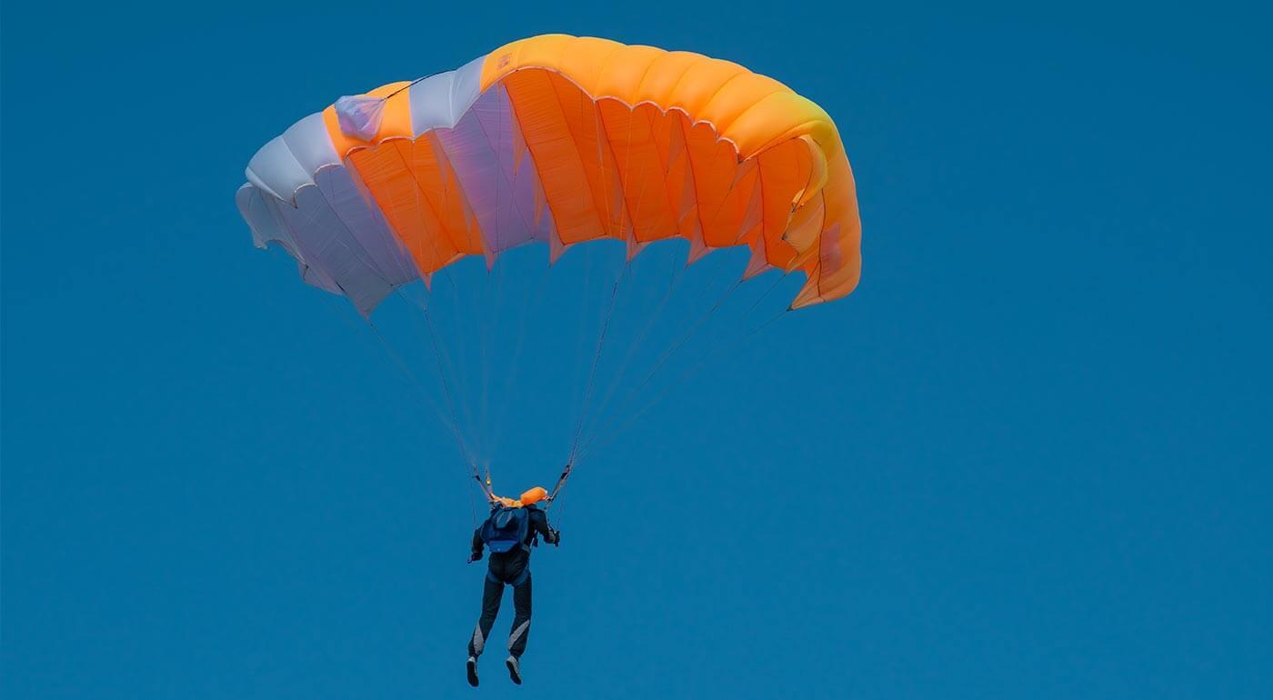 Parašutistický výcvik a zoskok bez inštruktora
