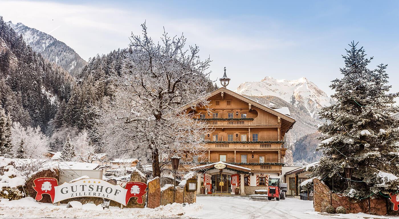 Luxusná dovolenka v Alpách: pobyt na 3-8 dní v Hoteli Gutshof Zillertal**** s wellness a lyžovaním na ľadovci Hintertux