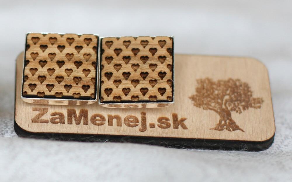 Drevené manžetové gombíky - srdiečkové (2 kusy v balení)