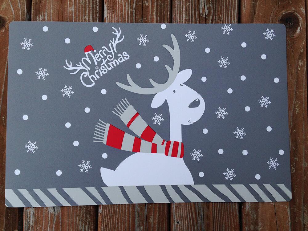 Plastové vianočné prestieranie - sivé Merry Christmas (2 ks)