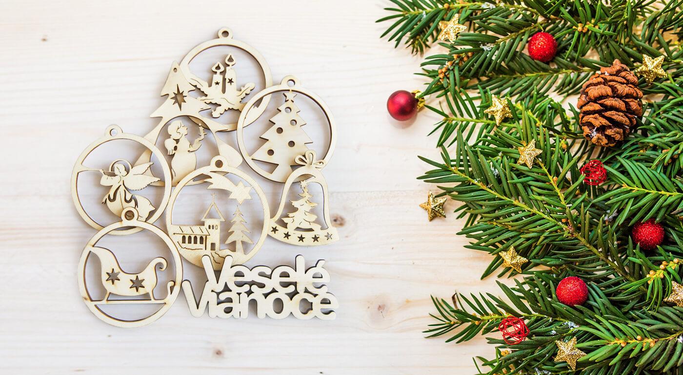 Drevené ozdoby na vianočný stromček - ručne vyrobená nadčasová klasika