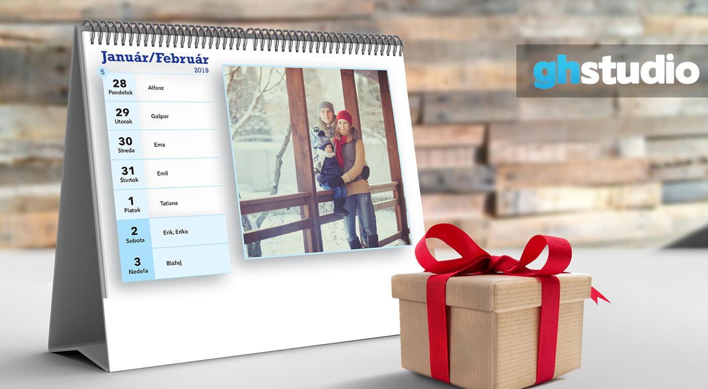 Nástenné alebo stolové kalendáre s vlastnými fotografiami - využite akciu 2+1 ZADARMO!