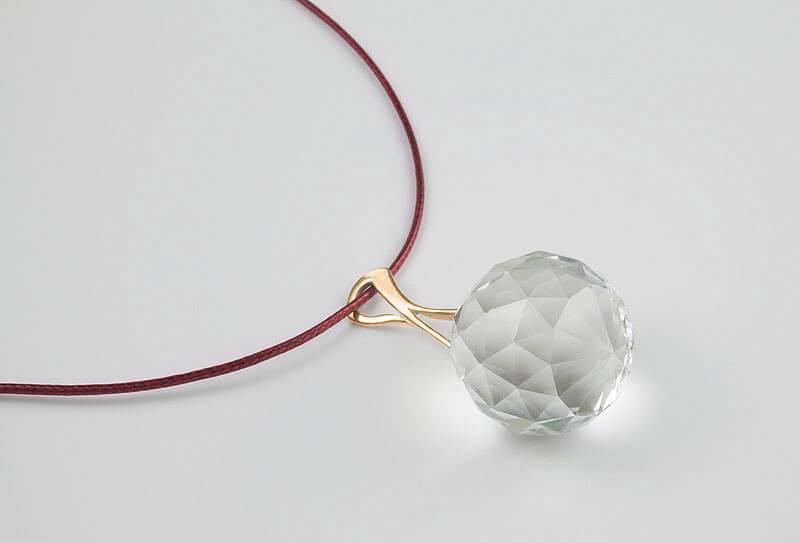 Harmony Crystal Sun® Krištáľový prívesok so šnúrkou
