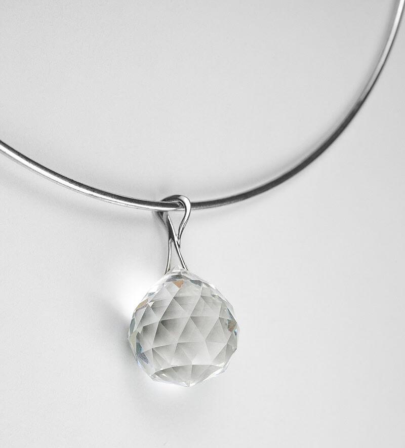 Harmony Crystal Sun® Krištáľový prívesok so striebornou retiazkou (obruč)