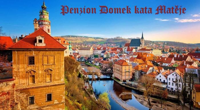 Máte už dosť prepychu kráľovských palácov, hradov či zámkov? Skúste trochu iný zážitok v Penzióne Domek kata Matěje v nádhernom Českom Krumlove!