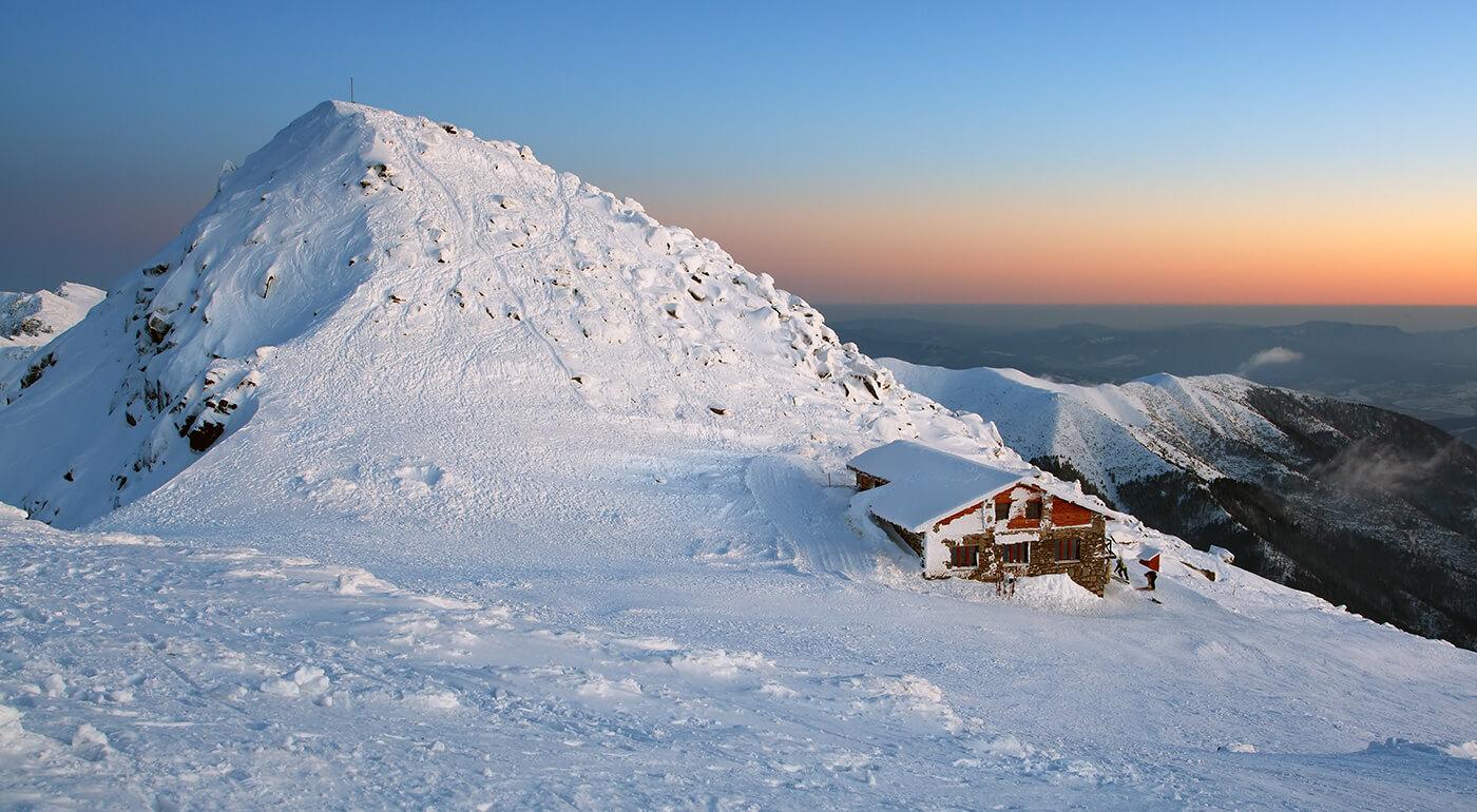Jarná lyžovačka Nízke Tatry počas 5 dní aj s celodenným skipasom na každý deň pobytu!