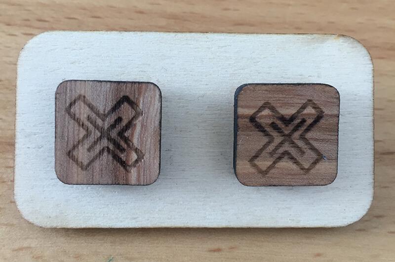 Drevené náušnice - vzor 5 (šírka 2,5 cm x výška 2,5 cm)