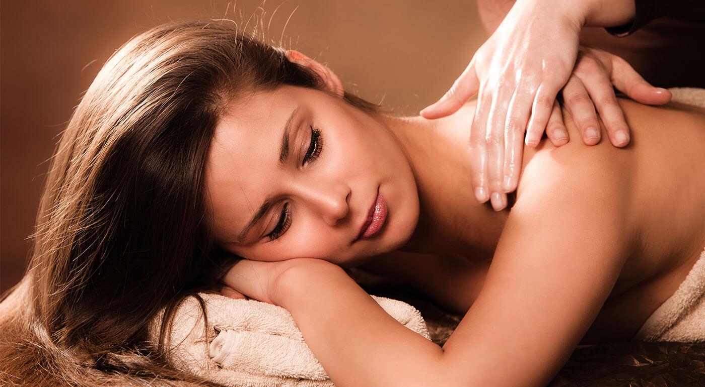 Olejová masáž chrbta a šije pre dámu (30 minút)
