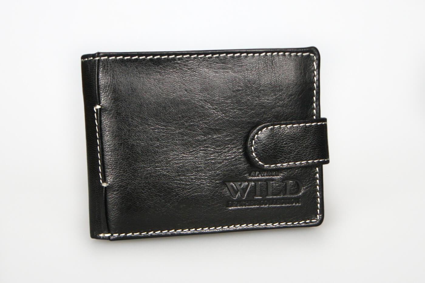 7ce064b20 WILD Pánska kožená peňaženka na šírku - čierna so zapínaním (šírka 10,5 cm