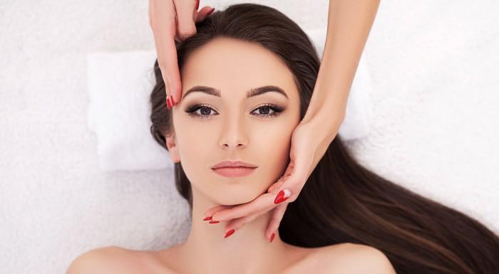 Špeciálne masáže tváre pre dámy
