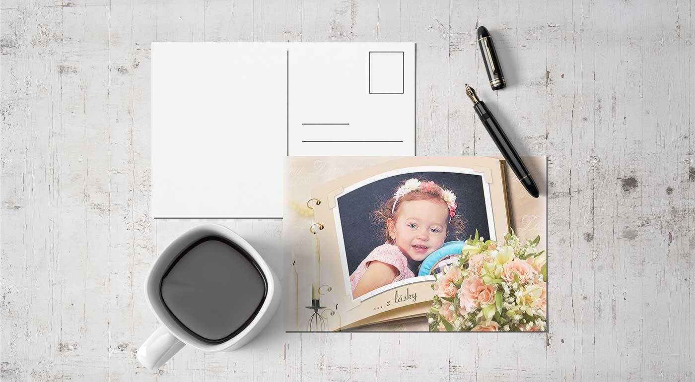 4 magnetky formátu cca 10×15 cm s rovnakou fotkou a grafikou a farebnou obálkou podľa výberu zákazníka