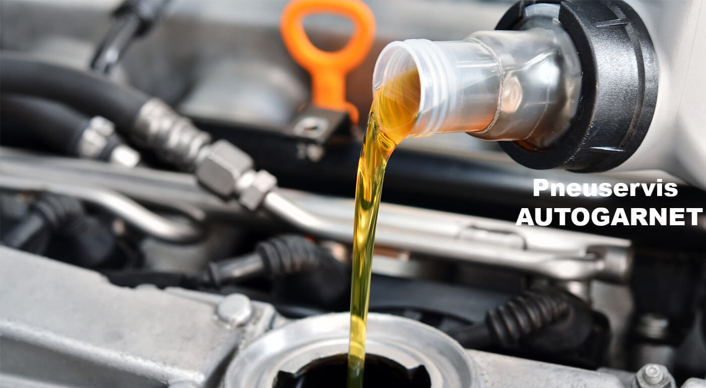 Výmena oleja a olejového filtra a vzduchového filtra s materiálom