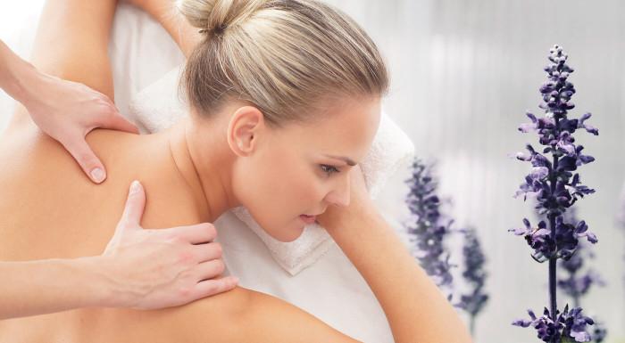 Levanduľové masáže chrbta a tváre pre dámy