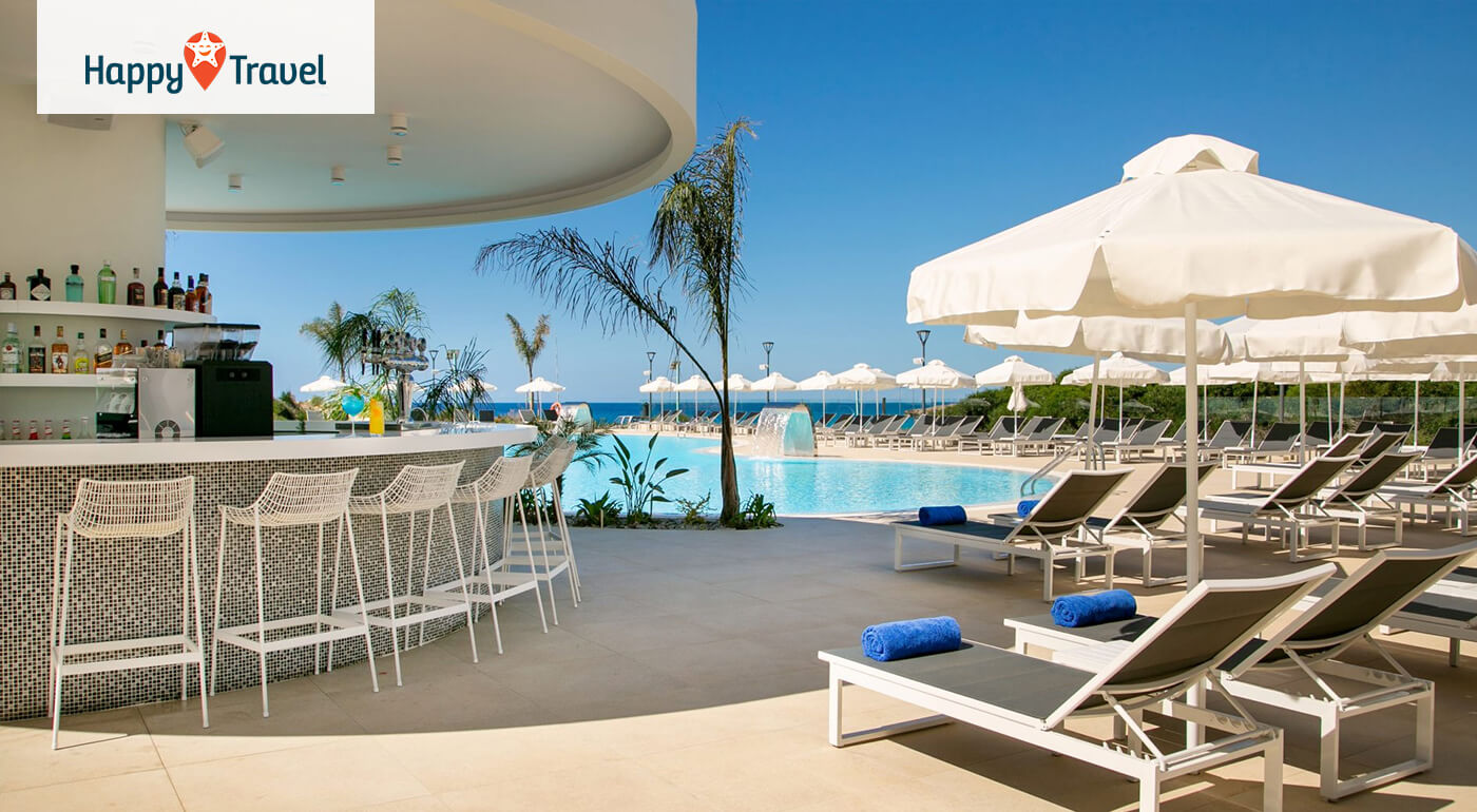 Južný Cyprus, Ayia Napa: Dovolenka na 8 dní s letenkou, servisnými poplatkami a raňajkami v 4* NissiBlu Beach Resort