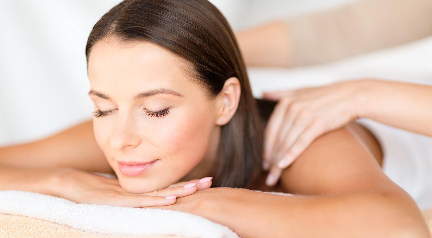 NOVINKA v Relaxačnom salóne: Masáže tváre alebo chrbta a šije s liečivým aloe vera olejom výhradne pre dámy