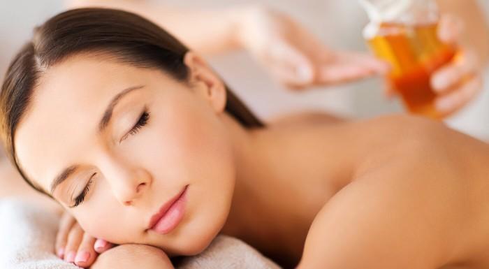 Masáže s aloe vera olejom výhradne pre ženy