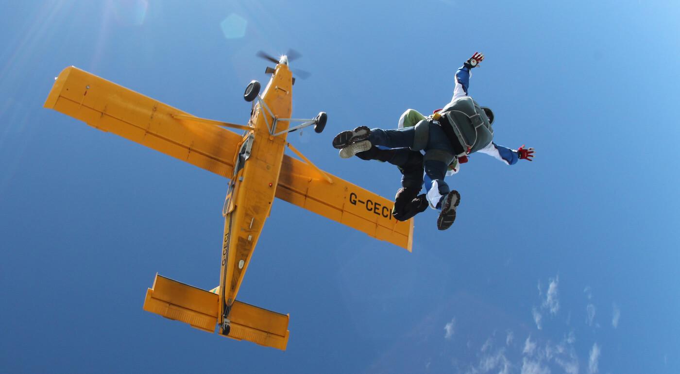 Tandemový zoskok z výšky 3000m alebo 4000 m - TOP tip na adrenalínový darček