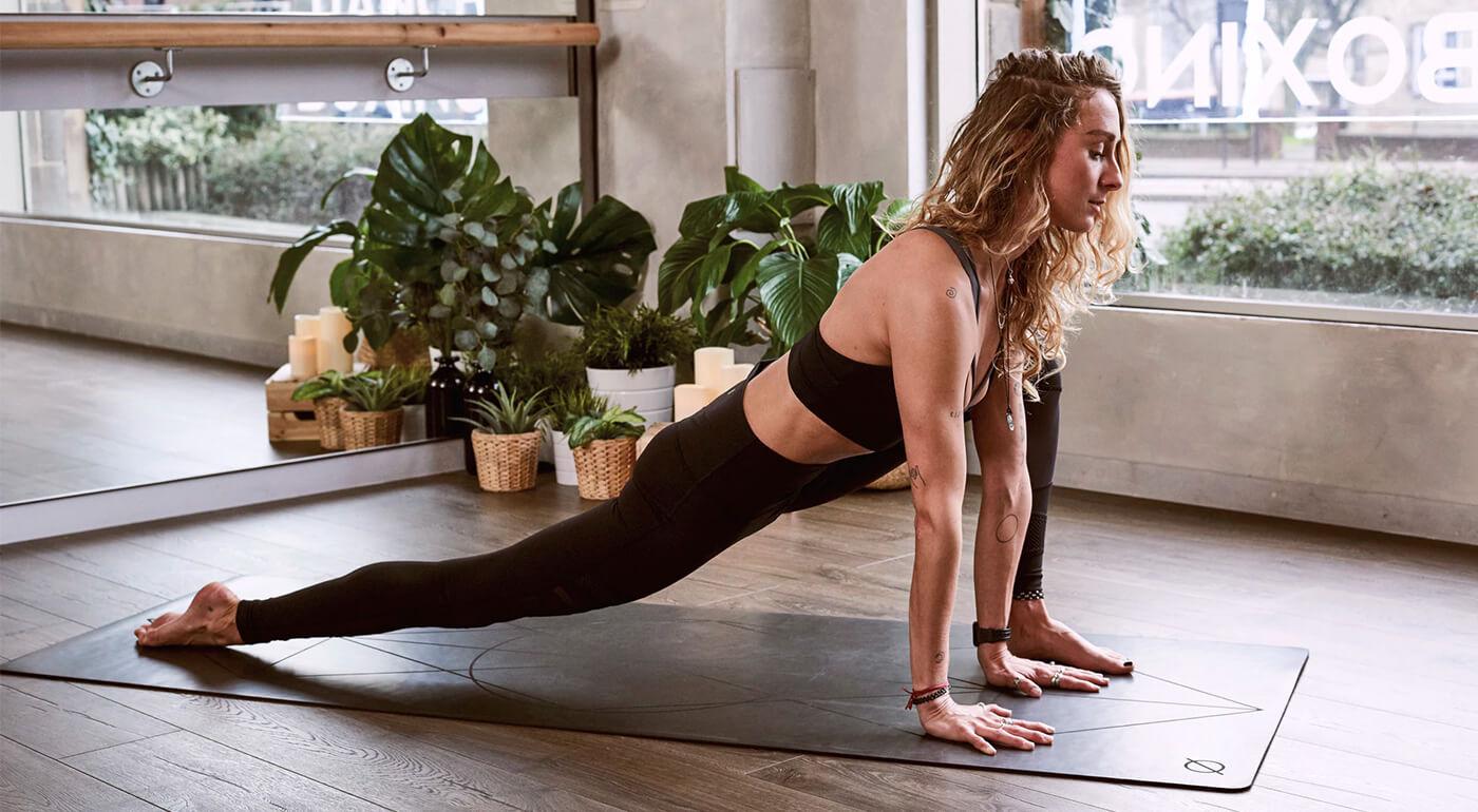 Podložky na cvičenie SPOKEY s obľúbeným vzorom Mandala - bez obsahu PVC, ultraľahká a príjemne mäkká