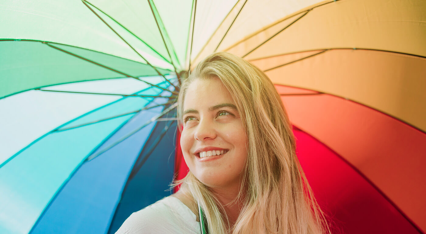 Štýlový poloautomatický dáždnik, ktorý vás zachráni počas sychravých dní