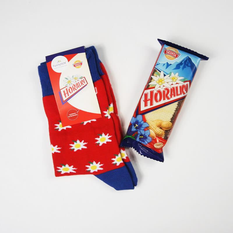 FunnySOX ponožky Horalky červené - veľkosť 36-40