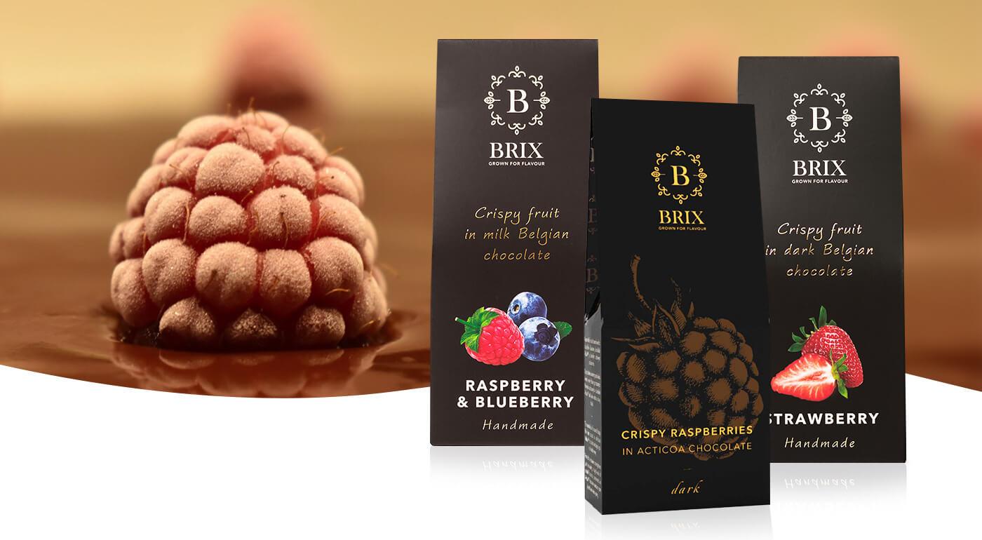 Chrumkavé lyofilizované ovocie v mliečnej a horkej belgickej čokoláde značky BRIX