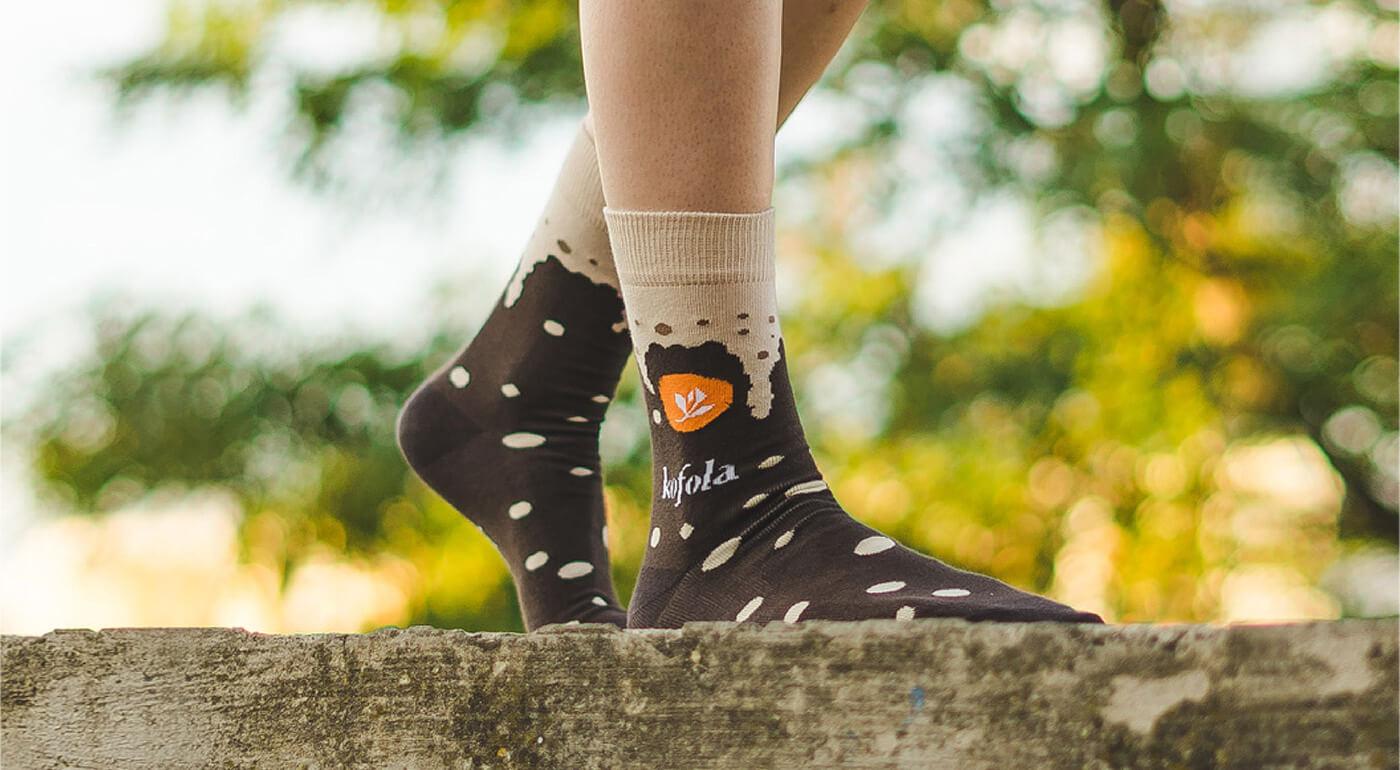 Ponožky Ponsh - tradičné ľudové vzory, osobnosti Slovenska aj retro špecialitka - ponožky Kofola
