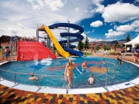 Vonkajšie bazény s čírou vodou