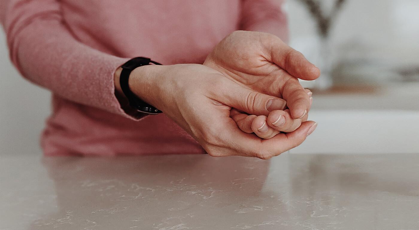 Alkoholová dezinfekcia 79,6% vhodná na ruky a pokožku, zloženie podľa odporúčaní Svetovej zdravotníckej organizácie - skladom