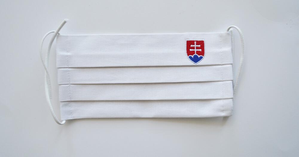 Rúško obdĺžnikové so slovenským znakom - biele