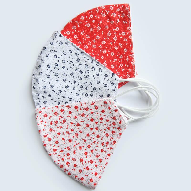 Bavlnené rúška v limitovanej akcii 2+1 GRÁTIS: bielo-modré kvety, bielo-červené kvety a červeno-biele kvety