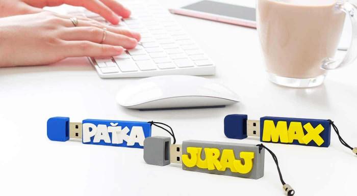 USB kľúč s menom alebo vlastným logom
