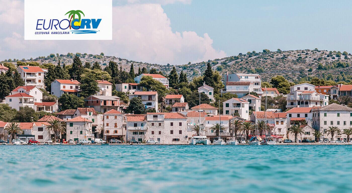 Leto v Chorvátsku! Užite si 8 letných dní v Hoteli a Pavilónoch Riviera**v Crikvenici s polpenziou, autobusovou alebo individuálnou dopravou