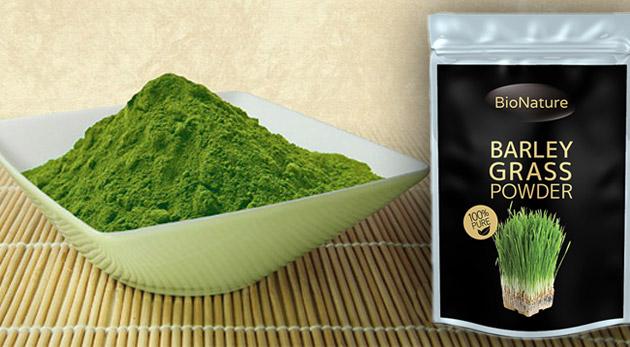 Mladý zelený jačmeň v 100% organickej kvalite.