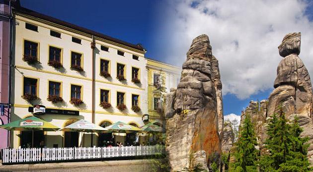 Vydajte sa za krásami skalnatých miest Broumovska a Adršpašských skál v Čechách.