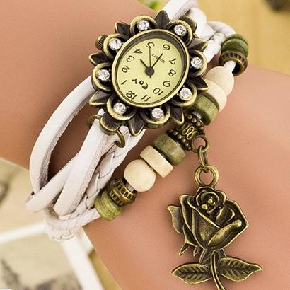 Retro hodinky s ružou, farba biela