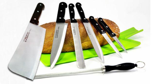 Sada piatich nožov, sekáčik a ocieľka na brúsenie z kvalitnej chirurgickej ocele